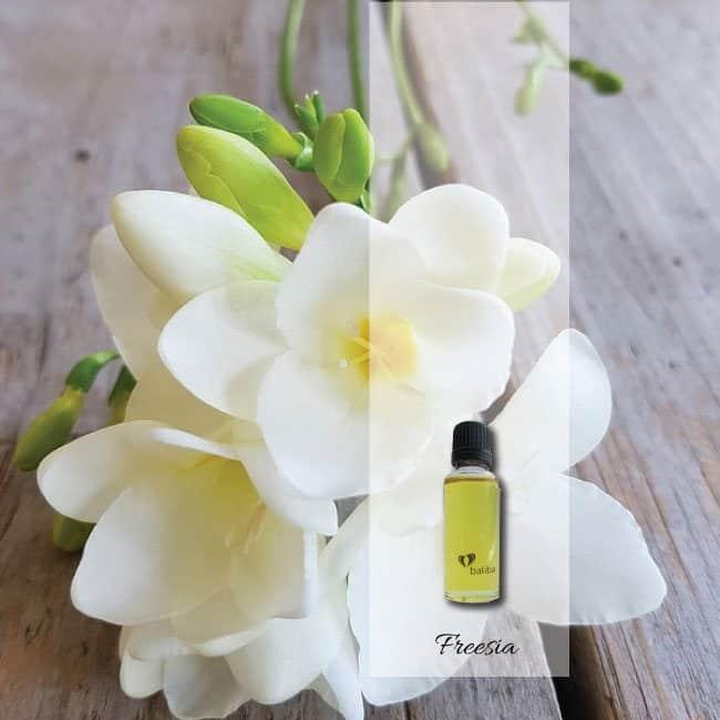 freesia-aroma-oil